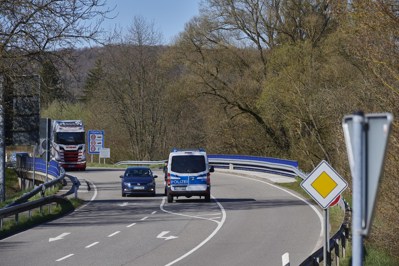Immerhin eingeschränkt passierbar: deutsch-französische Grenze, Habkirchen/Frauenberg