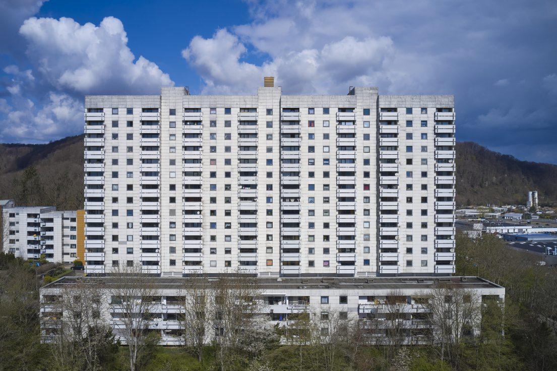 Fotografie von Marco Kany: Die Wohnanlage Irgenhöhe 21-28 in Saarbrücken; Ansicht von Süden